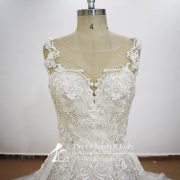 wedding-dresses-with-pearls-and-lace