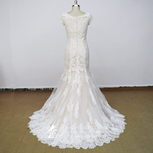 bride-dressing-gown