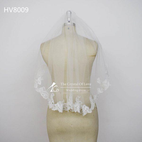 lace-edged-wedding-veils